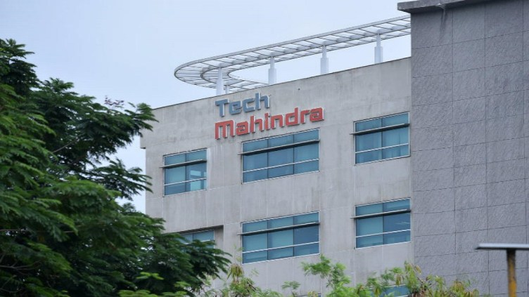 Tech Mahindra Puts Hold On Wage And Increment Hikes No Layoffs Yet Hrnxt Com
