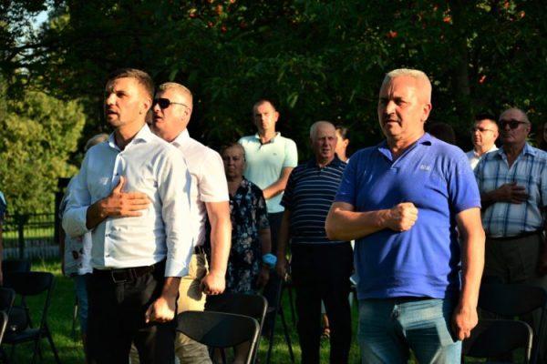 Голова Володимир-Волинської райради річну пенсію віддав на виборчу кампанію Ігоря Гузя