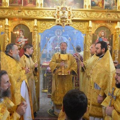 (Фото) Архиепископ Савва совершил Литургию в Михаило-Архангельском храме с. Хрустовая