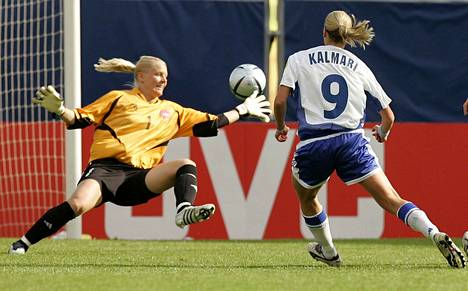 Laura Kalmari shot the ball into the Danish net in the European Championships match in 2005. Finland won the game 2–1 and advanced to the semi-finals.