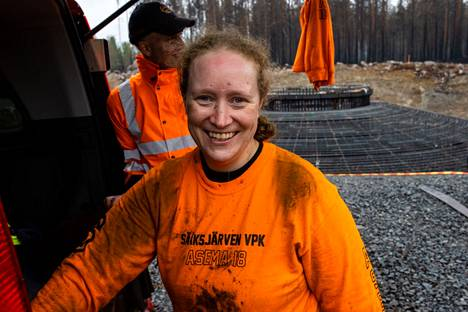 There are only a few women in the ranks of firefighters, but there are more than a dozen of them at Sääksärvi VPK, Heli Koskinen, who arrived from Pirkanmaa for firefighting work, said.