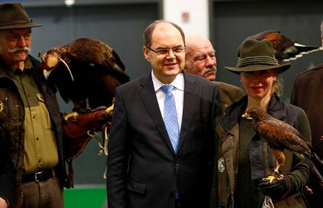 German diplomat and ex-minister Christian Schmidt will take up the post of High Representative.
