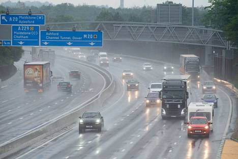 The M20 motorway was dangerously slippery on Friday at Aylesford in south-east London.
