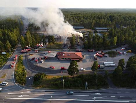 In the fire at Hotel Hiitteharju, there was a danger that the flames would spread to the nearby forest.