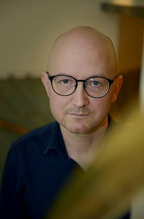 Author Jukka Laajarinne will guide place-conscious walking in the Hague Park Philosophy event.