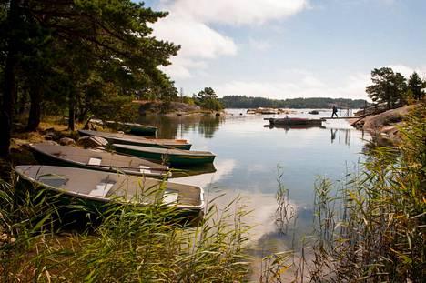 Lähteelä is located in front of Kirkkonummi in Porkkalanniemi.