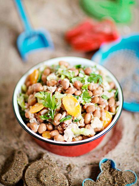 The Italian tuna-bean salad has a crunchy addition of carrots and celery stalks.