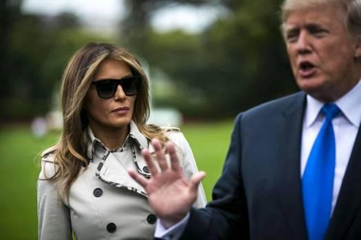 Melania Trump kuunteli puolisonsa, Yhdysvaltain presidentti Donald Trumpin puhetta lehdistölle Valkoisen talon edustalla 13. lokakuuta.