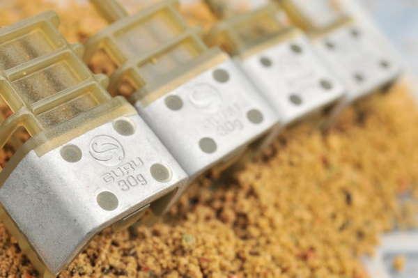 guru-commercial-cage-feeders 1