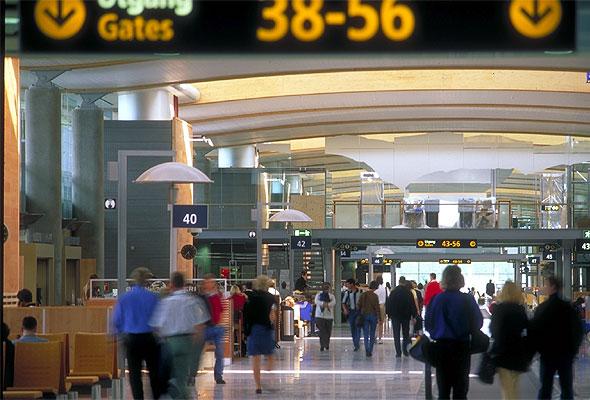 Utlandsterminalen i Oslo Lufthavn, Gardermoen. Fotograf: Knut Bry/Oslo Lufthavn