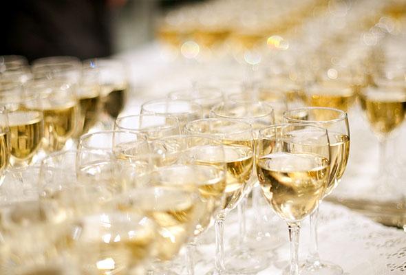 Et deilig syn for tørste struper på HSMAI-prisfesten. Fotograf: Catharina Wandrup/Knut Joner