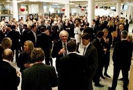 Aktiv mingling på HSMAI-prisfesten 2010. Fotograf: Catharina Wandrup/Knut Joner