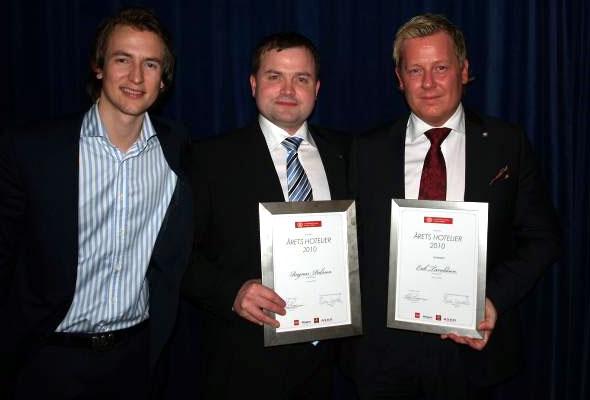 Årets Hotelier Ragnar Palsson (i midten), med Ådne Skurdal, President Cornell Hotel Society Norway Chapter (venstre) og Erik Taraldsen, Thon Hotel Lofoton, som også var nominert til Årets Hotelier.