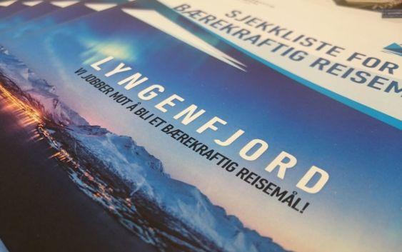 Lyngenfjord jobber mot å bli et bærekraftig reisemål. Foto fra Visit Lyngenfjord.