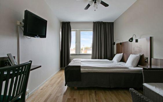 Et av de nyoppussede rommene på First Hotel Brommaplan. Foto fra First Hotels.