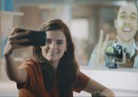 KLM bruker hologram for å knytte reisende sammen i ny kampanje