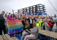 Heiser regnbueflagget over hele Europa