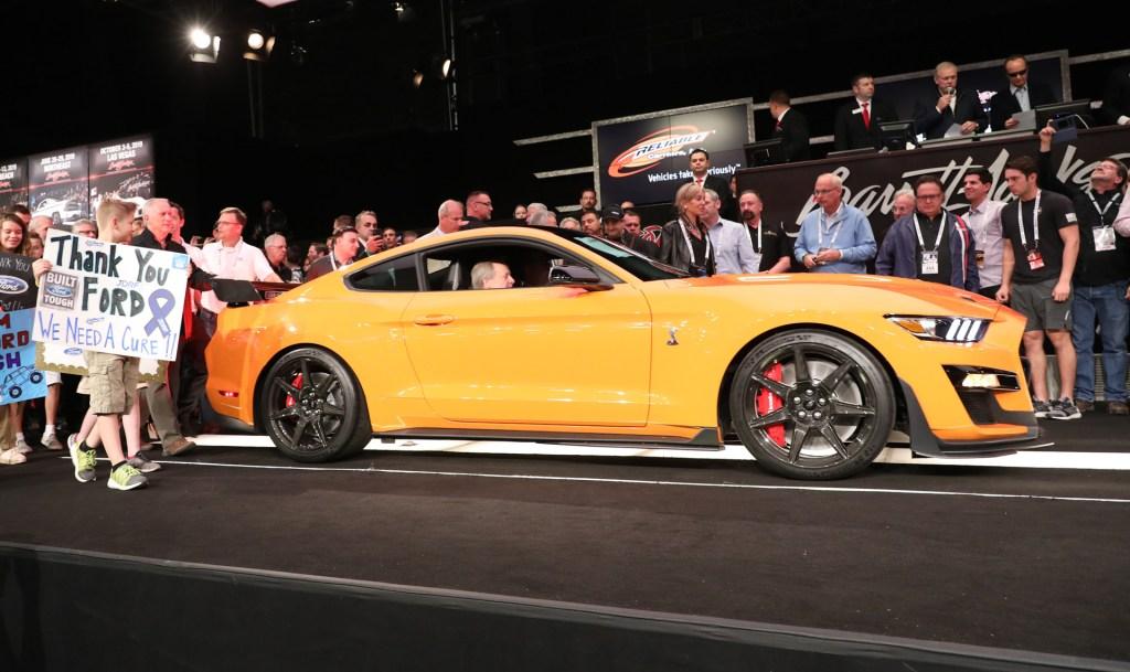 Un Ford Mustang Shelby 2020 VIN 001 subastado por una causa benefica