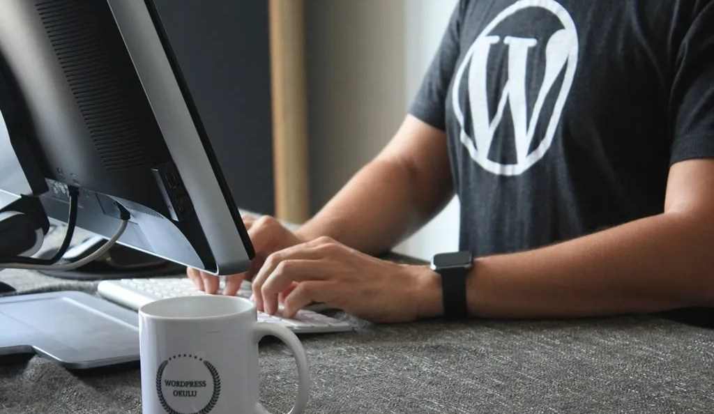 How to Use Blogging to Build a Personal Brand
