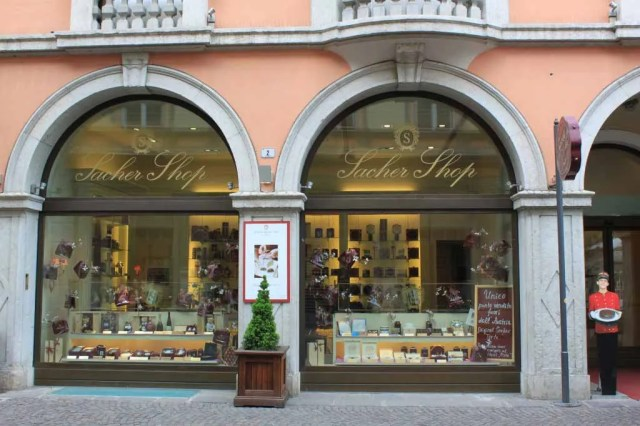 sacher_shop_in_bozen_sudtirol-by-avventure-et-viaggi