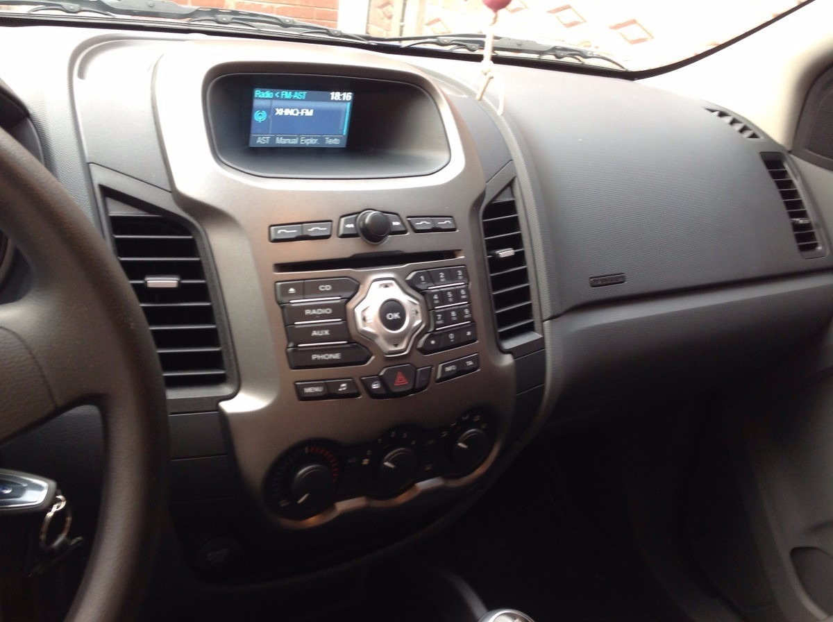 Ford Pioneer Stereo