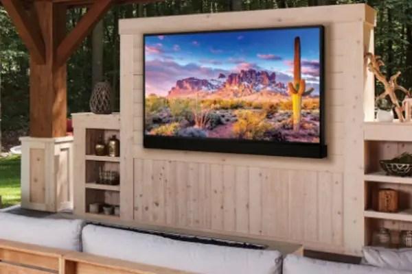Bloomfield Hills Outdoor TV