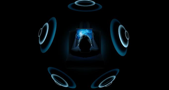 "Pro 空間 pods オーディオ air アップル、AirPods Proで""空間オーディオ""。頭を動かしてもサラウンド空間維持"