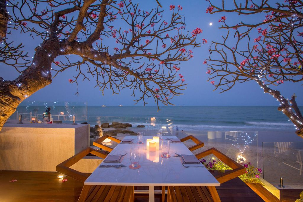 Chay Had Seaside Restaurant and Lounge