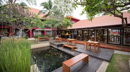 Red Coral Restaurant