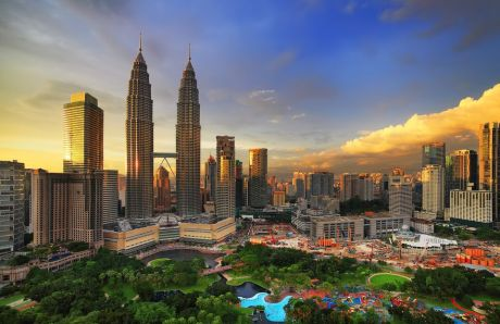 Western Expats Fleeing Thailand for Malaysia