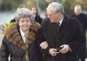 Dr. Hubert Burda mit seiner Mutter Aenne Burda in Offenburg