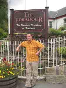 Vor der kleinsten Distille Schottlands