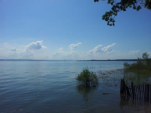 Bild vom Bodensee und blauen Himmel