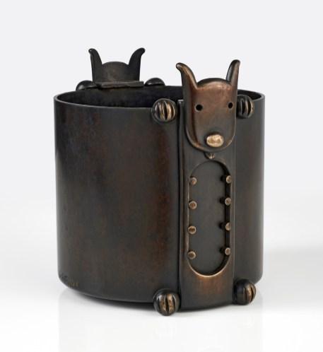 cache pot dodger 01