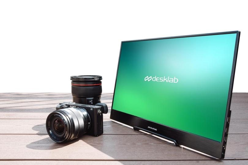 DLab Monitor 4K Touch Screen Monitor for Immersive Gaming