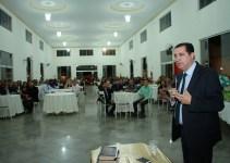 Hildo do Candango e Aleandra Sousa prestigiam culto no Dia do Pastor em Águas Lindas