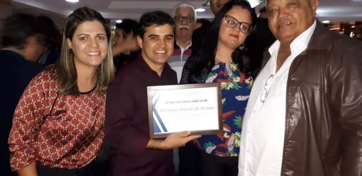 Blogueiros de Política promovem confraternização e premiam personalidades do DF e Entorno