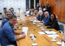 """Em reunião com governador Ibaneis Rocha, comandos da PM e Corpo de Bombeiros, Celina Leão diz: """"A luta deles é a minha também"""""""