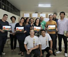 Entorno: Parceria com ONG rende a doação de 40 computadores para Escolas Municipais de Novo Gama