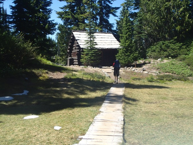 Golden Lakes Ranger Station