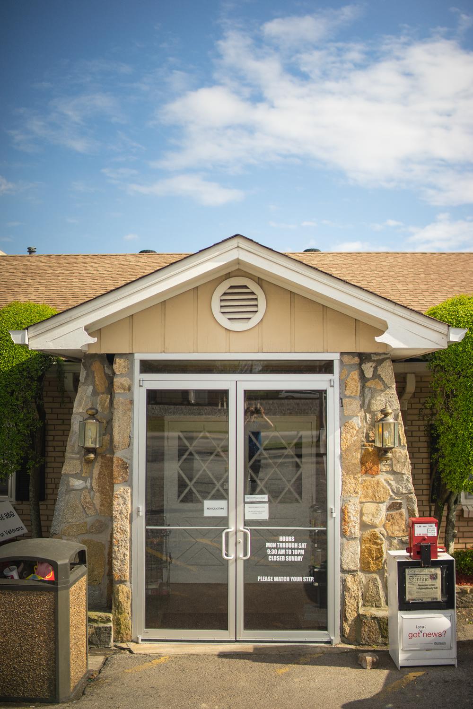 Picture of front door of Hudsons
