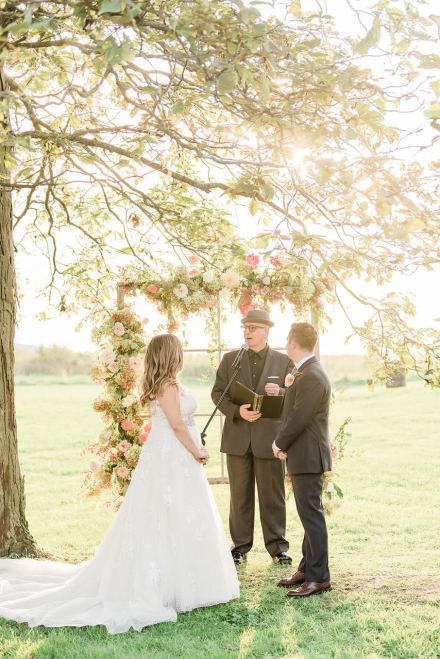 Choosing an Officiant That is Right For You