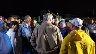 Diaz-Canel-Recorre-Zonas-Afectadas-por-Tornado-en-La-Habana