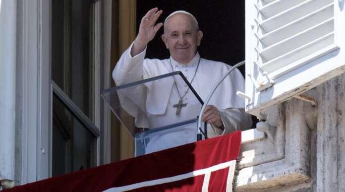 Papa Francisco nombre 13 nuevos cardenales que escogerán a su sucesor