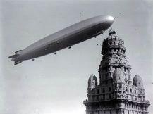 Graf Zeppelin sobrevolando Montevideo