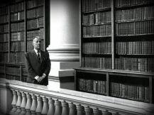 Borges caminando por la misma cuando Director de la Biblioteca Nacional