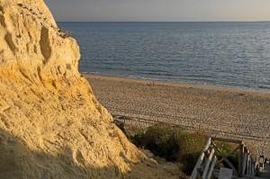 La Playa del Parador se caracteriza por su belleza y fina arena.