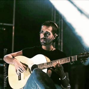 Músico, compositor y productor, se encuentra trabajando en su segundo disco en solitario.