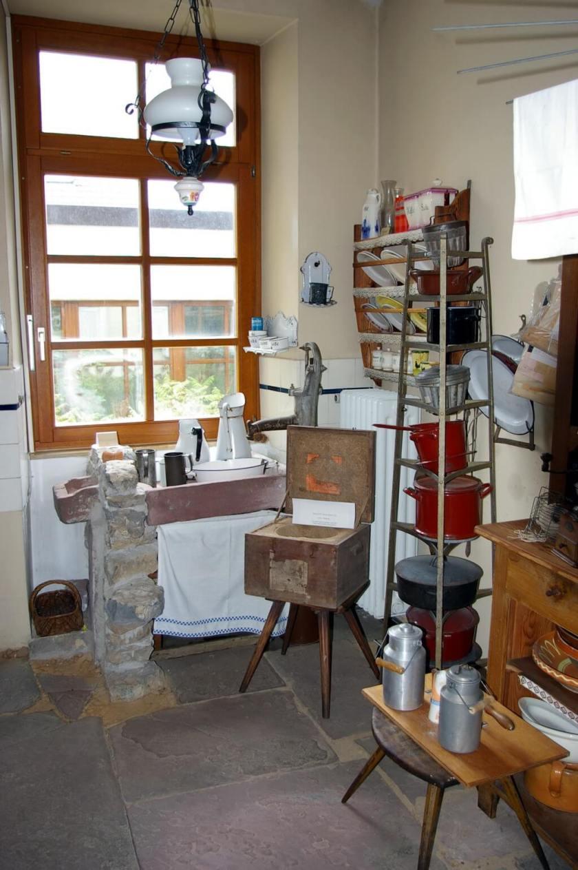 Das Heimatmuseum Friedrichstal - Küche in der ehemaligen Lehrerwohnung