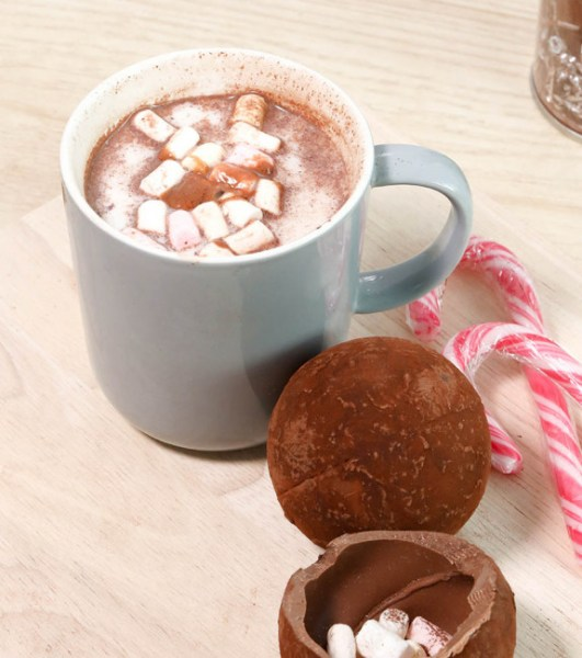 boules chocolat chaud chamallows tasse